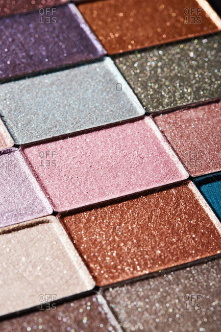 Palette of neutral colored glittery eyeshadow