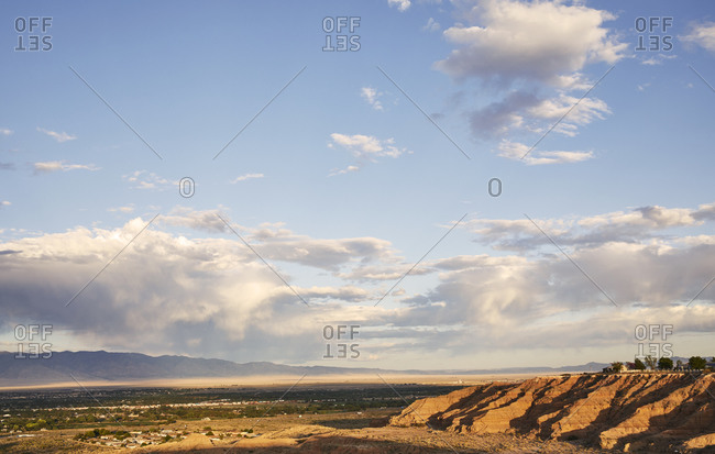 USA, New Mexico, View of desert and mountains