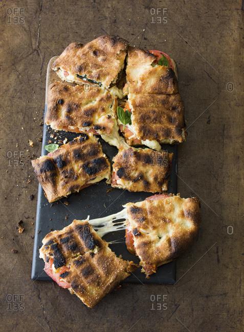 Mozzarella and Chutney braai Broodjie