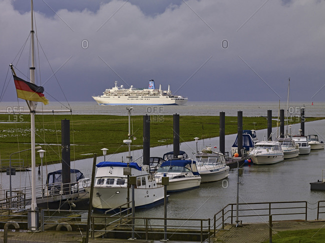 September 26, 2014: MS Thomson Spirit on the Elbe near Cuxhaven, Lower Saxony, Germany