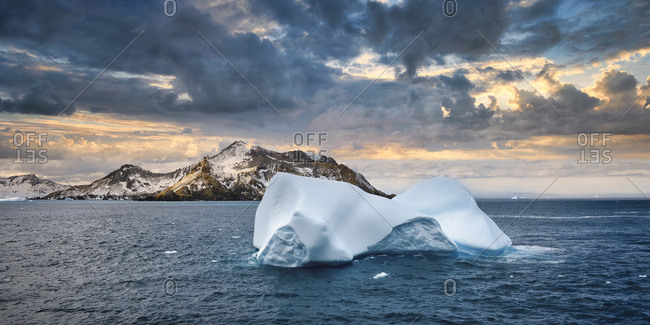 Cooper Bay, Floating Icebergs, South Georgia, South Georgia and the Sandwich Islands, Antarctica, Polar Regions
