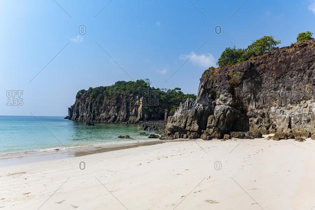Untouched white sand beach on Smart Island, Mergui (Myeik) Archipelago, Myanmar (Burma), Asia
