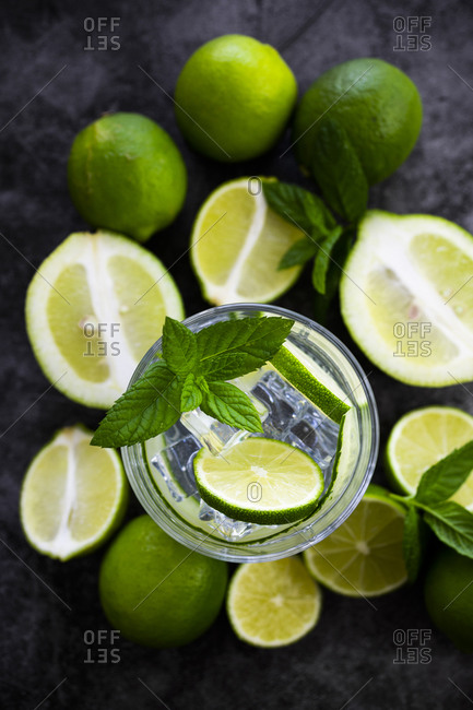 Gin tonic with lemon- mint and cucumber