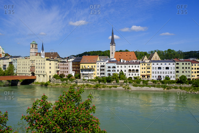 Germany- Bavaria- Upper Bavaria- Wasserburg am Inn- View of old town and river