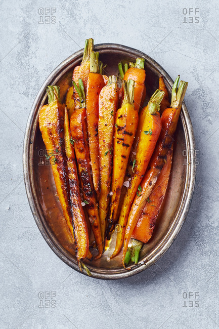 Roasted caramelized carrots cooked with honey, ginger and vinegar