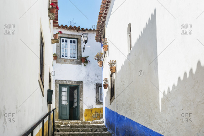 Europe, Portugal, Estremadura, Centro region, Obidos, Vila das Rainhas, City of the Queens, house entrance in the labyrinth of streets