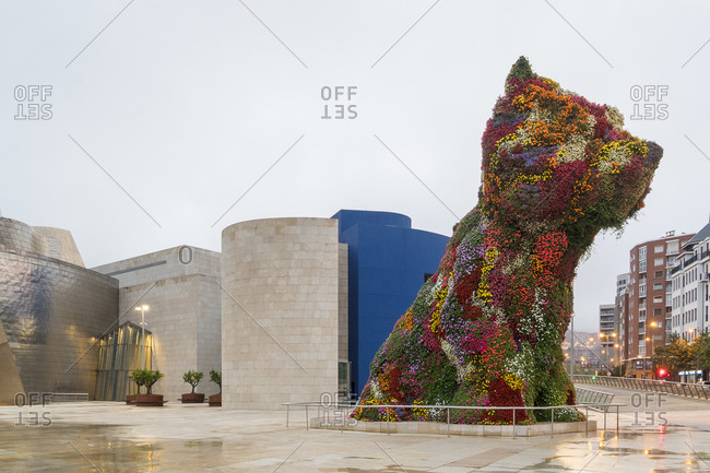 """October 5, 2019: Spain, Bilbao, Guggenheim Museum, sculpture """"Puppy"""" by Jeff Koons"""