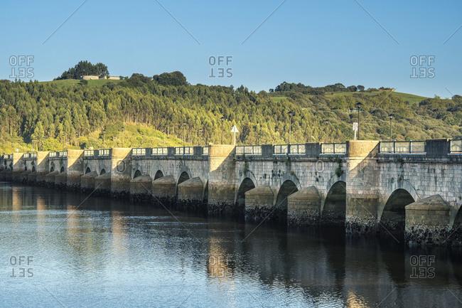 Spain, north coast, Cantabria, San Vicente de la Barquera, Rio Escudo, Puente laz Mazas,