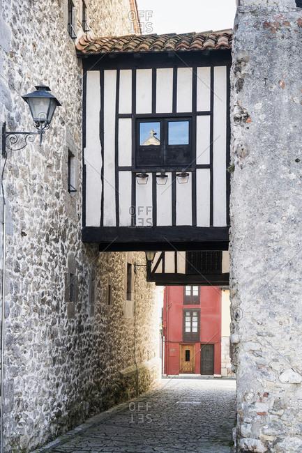 Spain, Asturias, Llanes, historic old town, gate