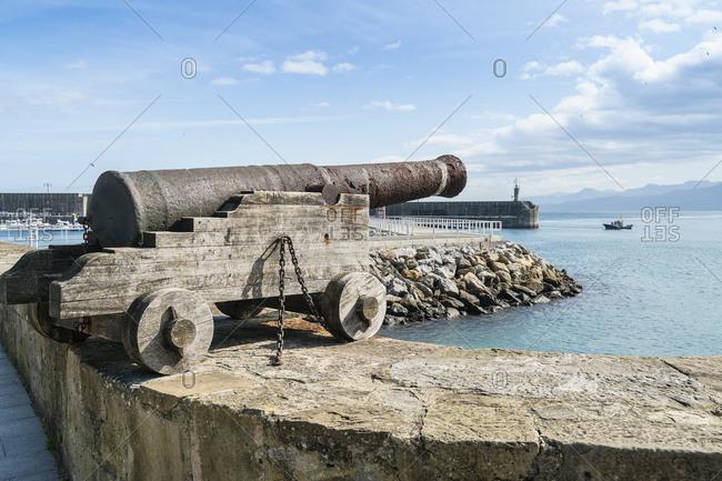 Spain, north coast, Asturias, Lastres, port, cannon