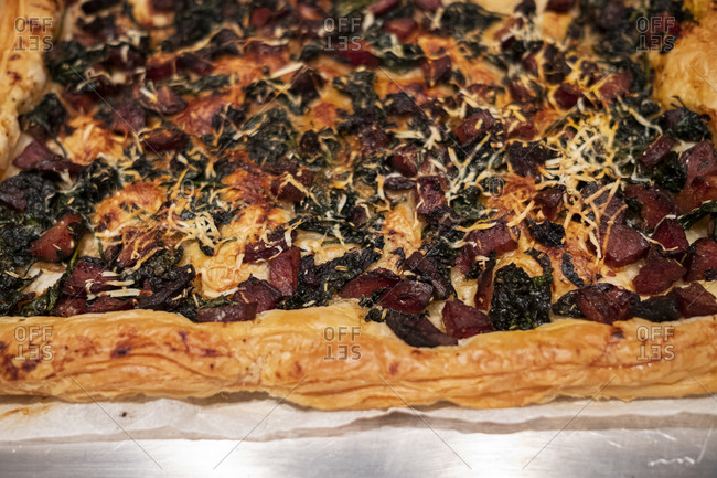 Pastry with chorizo, spinach and omental cheese