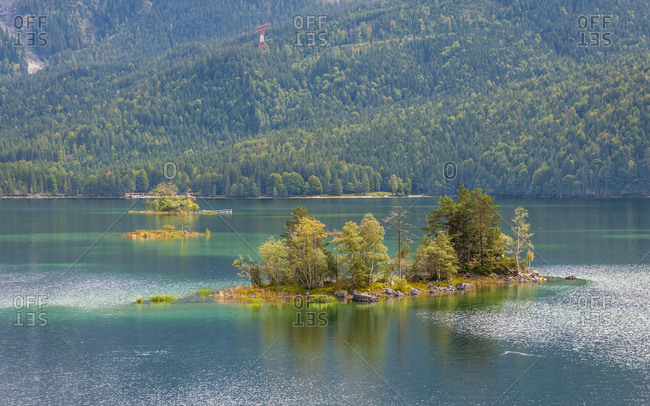 View from the northeast bank of the Eibsee to the Zugspitze, Werdenfelser Land