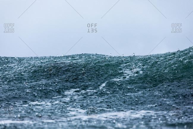 Raindrops in the ocean - Offset