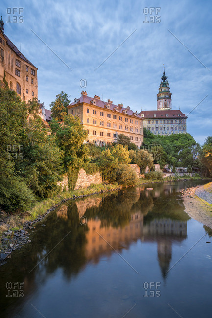 Cesky Krumlov Castle and Chateau at dusk, Cesky Krumlov, South Bohemian Region, Czech Republic