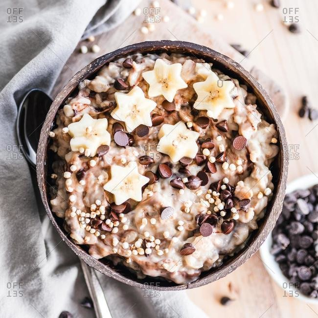 Creamy vanilla oatmeal and chocolate chip bowl