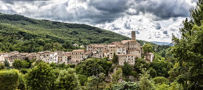 Italy, Toscana (Tuscany), Castelnuovo Val di Cecina . Sasso Pisano, view of the village