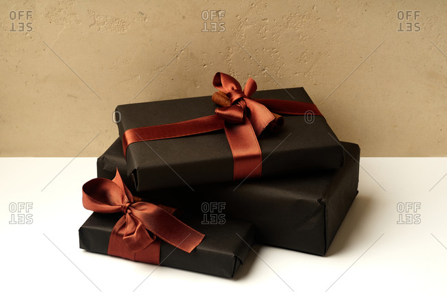 Wrapped and decorated gifts and boxes with presents