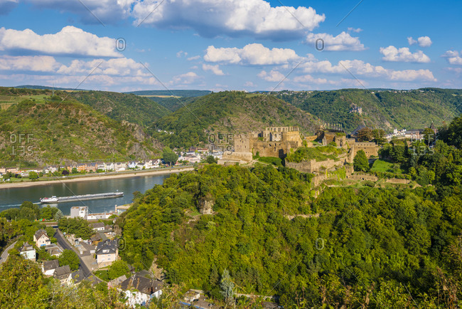 St. Goar / St.Goarshausen on the Middle Rhine, with Rheinfels Fortress and Katz Castle in the background, evening mood, part of the Unesco World Heritage Upper Middle Rhine Valley