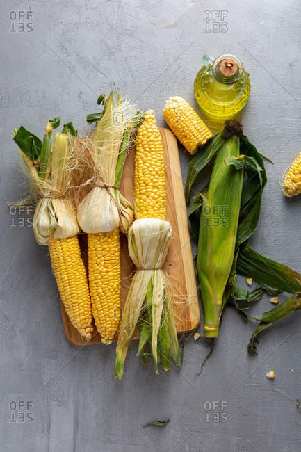 Overhead view of corn on the cob