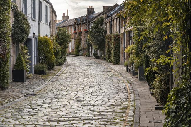 UK- Scotland- Edinburgh- View of Circus lane