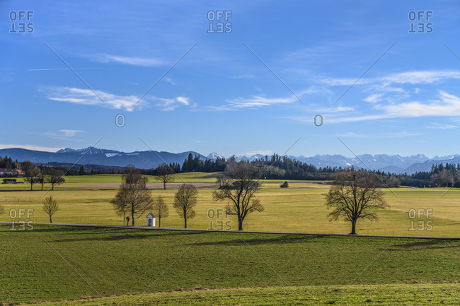 Germany, Bavaria, Upper Bavaria, Tolzer Land, Dietramszell, Lochen district, cultural landscape against alpine chain