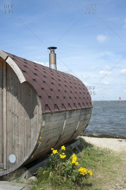 Denmark, Ringkobing Fjord, sauna hut on the beach
