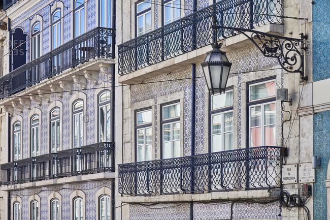 Apartments in the Misericordia neighborhood in Lisbon with Moorish tile