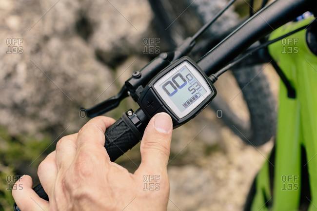 Bike odometer in sunlight - Offset