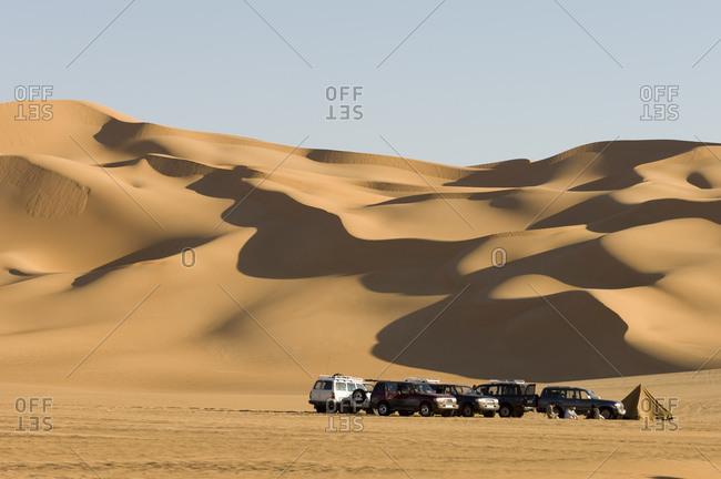 May 11, 2007: Off road vehicles, Erg Awbari, Sahara desert, Fezzan, Libya