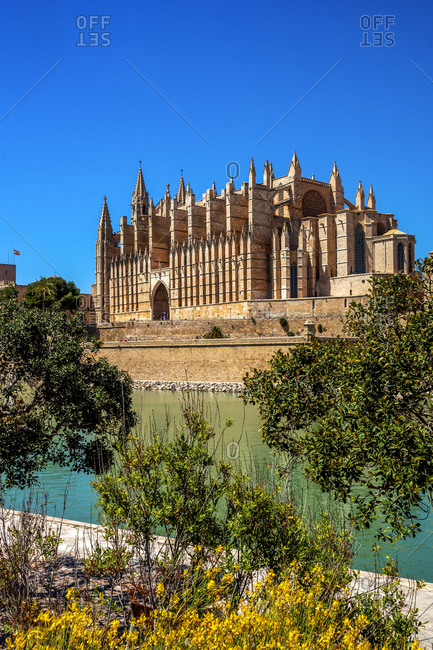 Spain- Balearic Islands- Palma de Mallorca- Palma Cathedral on sunny day