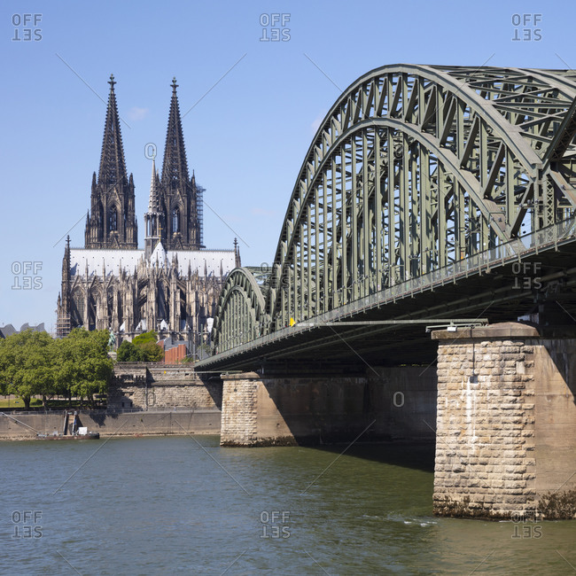 Germany- North Rhine-Westphalia- Rhineland- Cologne- Cologne Cathedral and Hohenzollern Bridge
