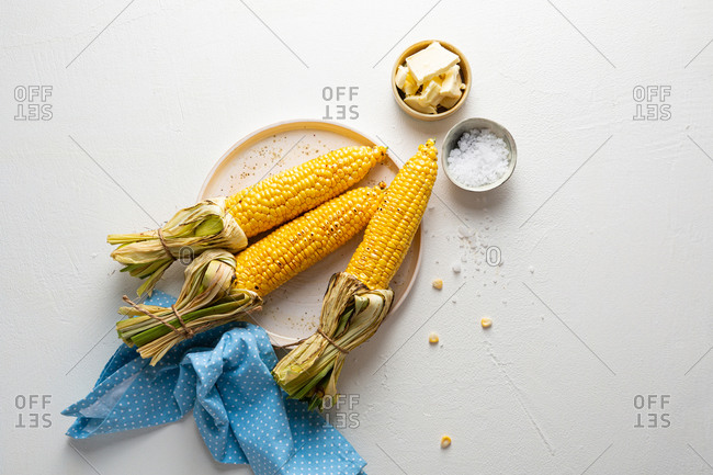 Overhead view of corn on cob