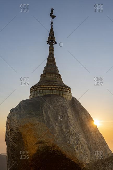 Myanmar- Mon state- Kyaiktiyo Pagoda- Golden rock at sunset