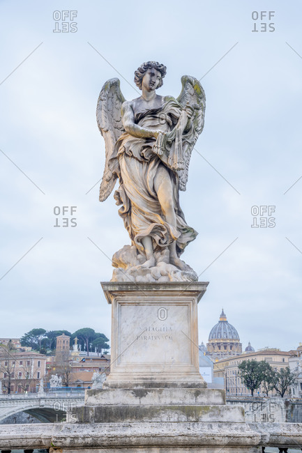 Ponte Sant'Angelo, St. Peter's Basilica in background, UNESCO World Heritage Site, Rome, Lazio, Italy, Europe