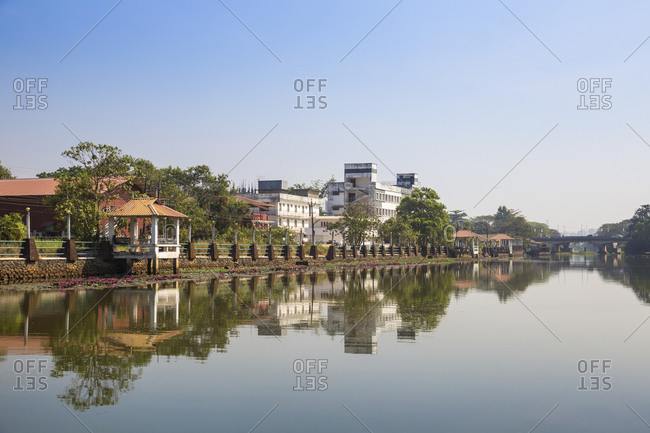 View towards Kuttanad ferry terminal, Backwaters, Alappuzha (Alleppey), Kerala, India, Asia