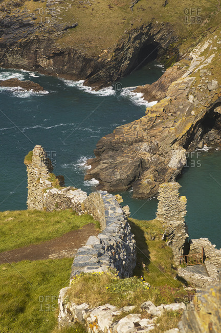 May 1, 2008: The Medieval ruins of Tintagel Castle, allegedly the birthplace of King Arthur, on Atlantic coast cliffs at Tintagel, Cornwall, Cornwall, England, United Kingdom, Europe