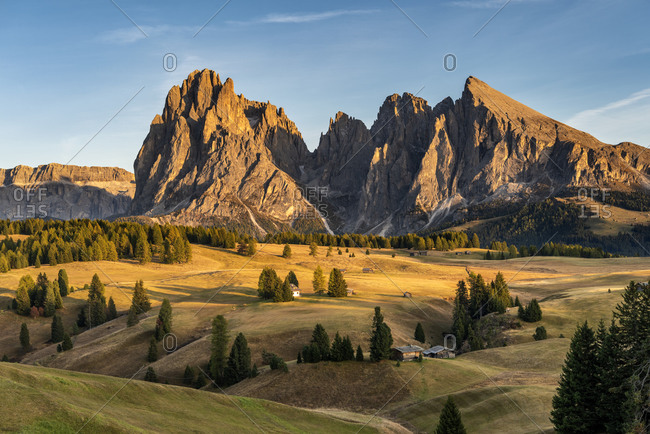 Alpe di Siusi, Castelrotto, South Tyrol, Bolzano province, Italy, Europe. Sunset on the Alpe di Siusi with a view of the Sassolungo massif