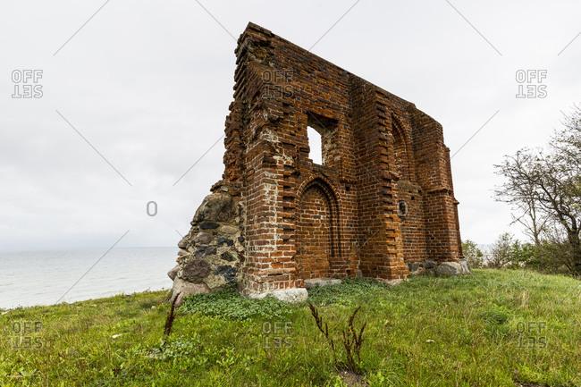 Europe, Poland, West Pomeranian Voivodeship, Ruins of the church in Trzesacz, Hoff an der Ostsee
