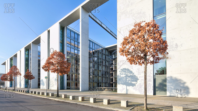 December 4, 2019: Paul Lobe House, leaf coloring, Bundestag, government district, Berlin, Germany
