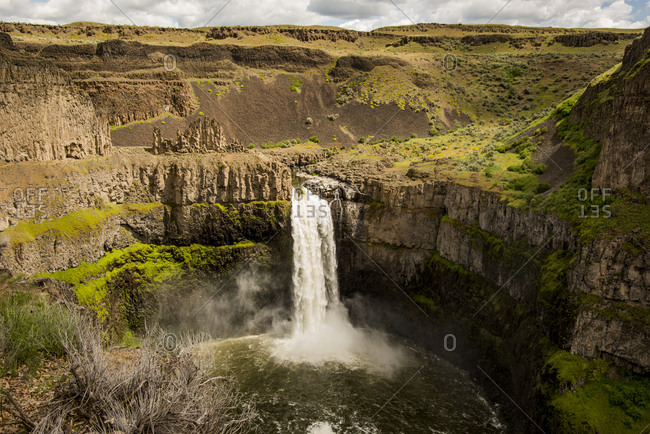 USA, Washington State. Palouse Falls State Park.