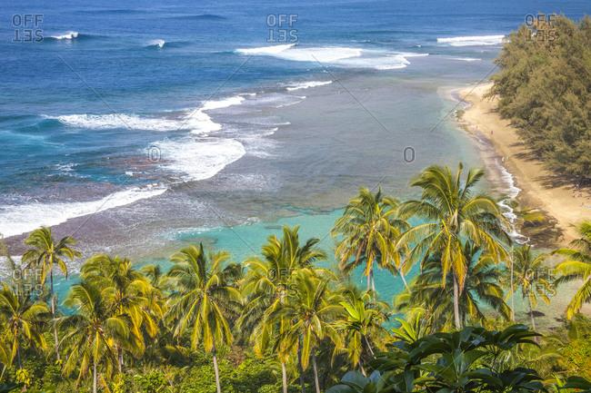 USA, Hawaii, Kauai, shoreline along the Na Pali Coast State Wilderness Park