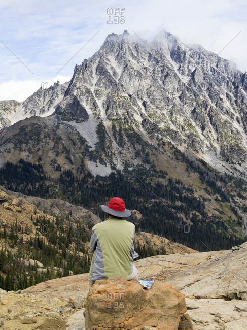 USA, Washington State. Alpine Lakes Wilderness, Stuart Range, Mount Stuart