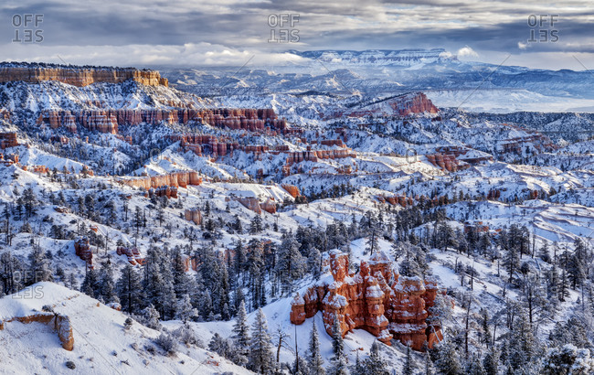 USA, Utah, Bryce Canyon National Park, Buttes and hoodoos on a winter morning
