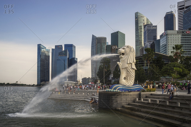 Waterfront view of the Merlion Statue, Singapore