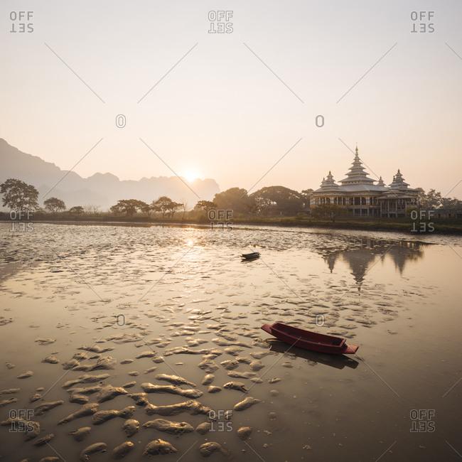 Calm waters, Kyauk Ka Latt Pagoda, Hpa An, Kayin State, Myanmar