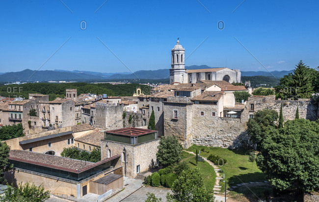 Spain, Catalonia, Girona, ramparts, bell tower of the Girona cathedral and university