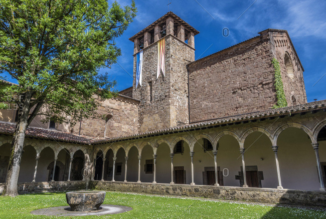 Spain, Catalonia, comarque of Ripolles, Sant Joan de les Abadesses, cloister of the old monastery (12th century)