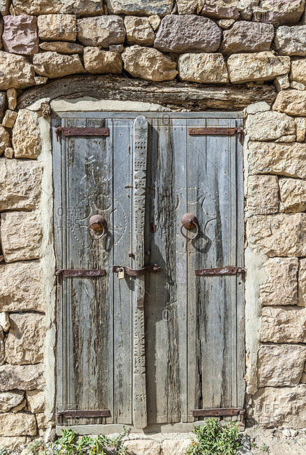 Middle East, Yemen, Centre West, Jebel Harraz region (UNESCO World Heritage Tentative list) door of a traditional rural house (shooting 03/2007)