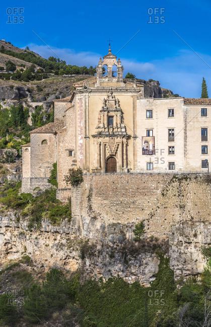 Spain, autonomous community of Castile - La Mancha, Cuenca, church of the old convent San Pablo (16th century) overhanging the path of Hoz del Huecar (UNESCO World Heritage) (Most Beautiful Village in Spain)