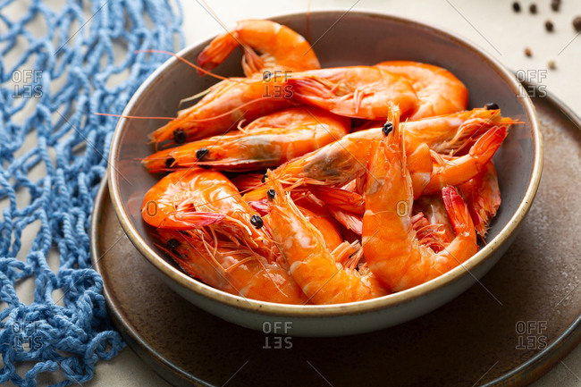 Close up of shrimp in bowl on platter
